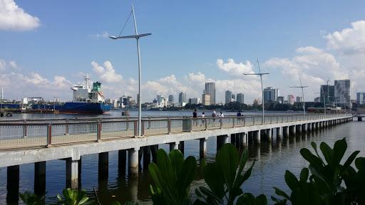 The bridge facing the causeway and Johor Bahru.